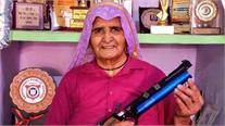 Lockdown ਦੌਰਾਨ ' Shooter Dadi,' Prakashi Tomar, ਕਿਵੇਂ ਰੱਖ ਰਹੀ ਹੈ ਆਪਣੇ ਆਪ ਨੂੰ ਫਿੱਟ, ਜਾਣੋ-LIVE