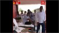 हिसार: BJP नेता और TikTok स्टार Sonali Fogat की दबंगई, सरकारी कर्मचारी को थप्पड़ और चप्पल से पीटा