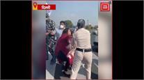 हाथरस गैंगरेप: दिल्ली में महिला कांग्रेस का प्रदर्शन, प्रदर्शनकारियों को गाड़ी में बैठा ले गई पुलिस