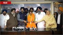 Gurdwara Rakabganj Sahib ਵਿਖੇ ਨਤਮਸਤਕ ਹੋਈ Nodeep Kaur, DSGMC  ਨੇ ਦਿੱਤਾ ਸਿਰਪਾਓ