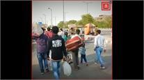 लॉकडाउन की खबर सुनते ही दूसरे राज्यों में जाने वाले मजदूरों की उमड़ी भीड़