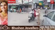 बिलासपुर में ट्रैफिक नियमों की उल्लंघना करने वालों के पुलिस कर रही चालान,कोरोना बारे लोगो को कर रही जागरूक