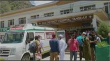 कुपवाड़ा में आमने-सामने टकराई कार और सूमो, 8 महीने की बच्ची समेत 2 की मौत 8 घायल