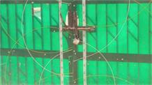 हैबतपुर के ग्रामीणों ने जड़ा निर्माणाधीन मेडिकल कॉलेज के गेट पर ताला