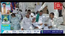 करनाल लघुसचिवालय गेट पर किसानों का धरना पुलिस अधिकारी के खिलाफ खोला मोर्चा