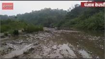 बंगाना में प्रतिबंध के बावजूद धड़ल्ले से जारी है नदी से खनन