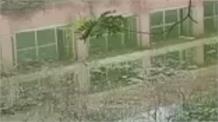 कैदियों के लिए भी मुसीबत बनी बरसात, नीमका जेल में घुसा सीवर का गंदा पानी,
