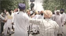किसान नेता Gunee Prakash पर कार्रवाई की मांग को लेकर सिख समाज ने उपायुक्त को सौंपा ज्ञापन