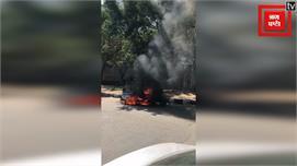 CNG गैस पर चलते Auto को लगी आग, Video...