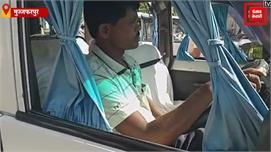 नये ट्रैफिक नियमों से बेखौफ सरकारी...
