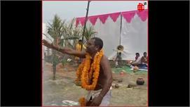 #JAYSHRIKRISHNA: खौलते दूध-दहकते कुंड...