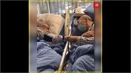 कोरोना वायरसः बुजुर्ग दंपत्ति का इमोशनल...