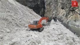 किन्नौर रल्ली गांव में ग्लेशियर से NH-5...