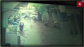 भारी बारिश के चलते गिरा कई साल पुराना...