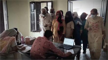 कोरोना को लेकर वैक्सीनेशन का काम जोरों पर, गोहाना में 500 से ज्यादा लोगों को लगी कोरोना की डोज